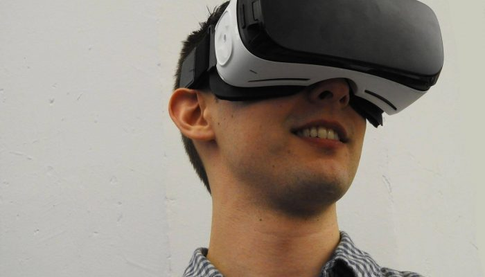 man-wearing-VR-glass-headset